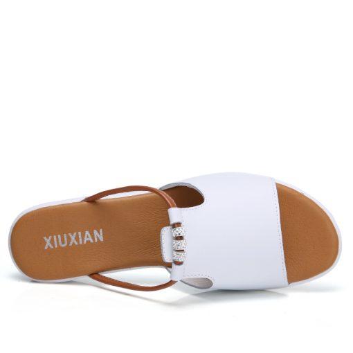 O16U Women Slipper Shoes Genuine Leather Slide Shoes Ladies Outside Flip  Flops Women Sandals Women Gladiator 3dd3310f30a2