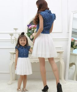 Mother Daughter Dresses 2018 Summer Family Outfits Mom and Daughter Dress Matching Clothes Blue White Dress for Kids and Women 1
