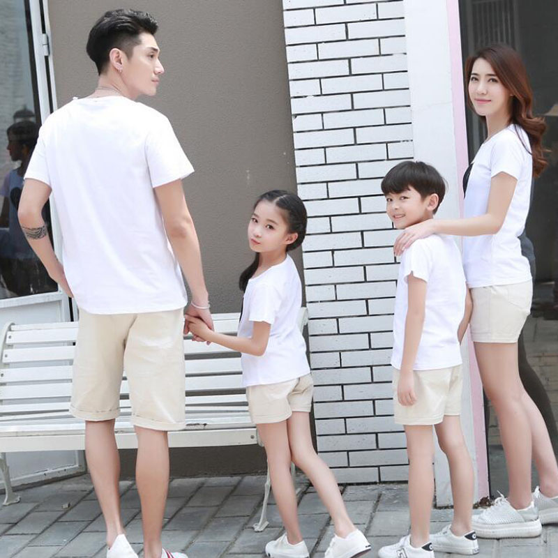 2018 Summer style Family Clothing Heart Short Sleeve T-shirt For Mother Daughter And Father Son Clothes Family Matching Outfits 1
