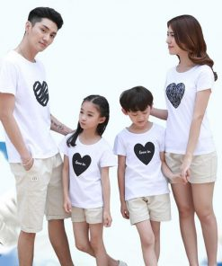 2018 Summer style Family Clothing Heart Short Sleeve T-shirt For Mother Daughter And Father Son Clothes Family Matching Outfits