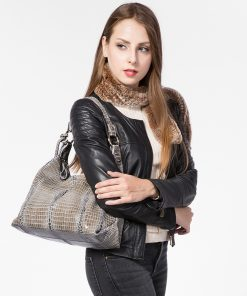 REALER Brand genuine leather women large shoulder bag female crocodile pattern hobos bag with tassel women handbag  1