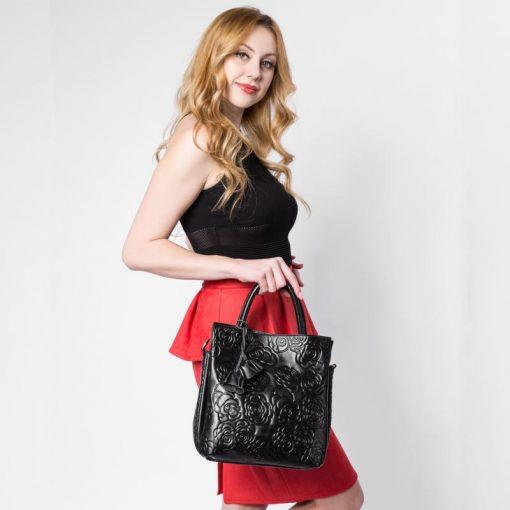 REALER brand genuine leather handbag female leather black tote bag high quality floral embossed handbag ladies shoulder bag 1