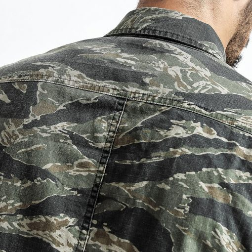 SIMWOOD Spring Spring  New Camouflage jackets men military pocket army tactical denim slim fit plus size high quality NK017012 3